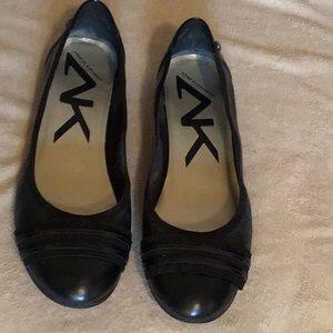 Anne Klein black leather ballet flats